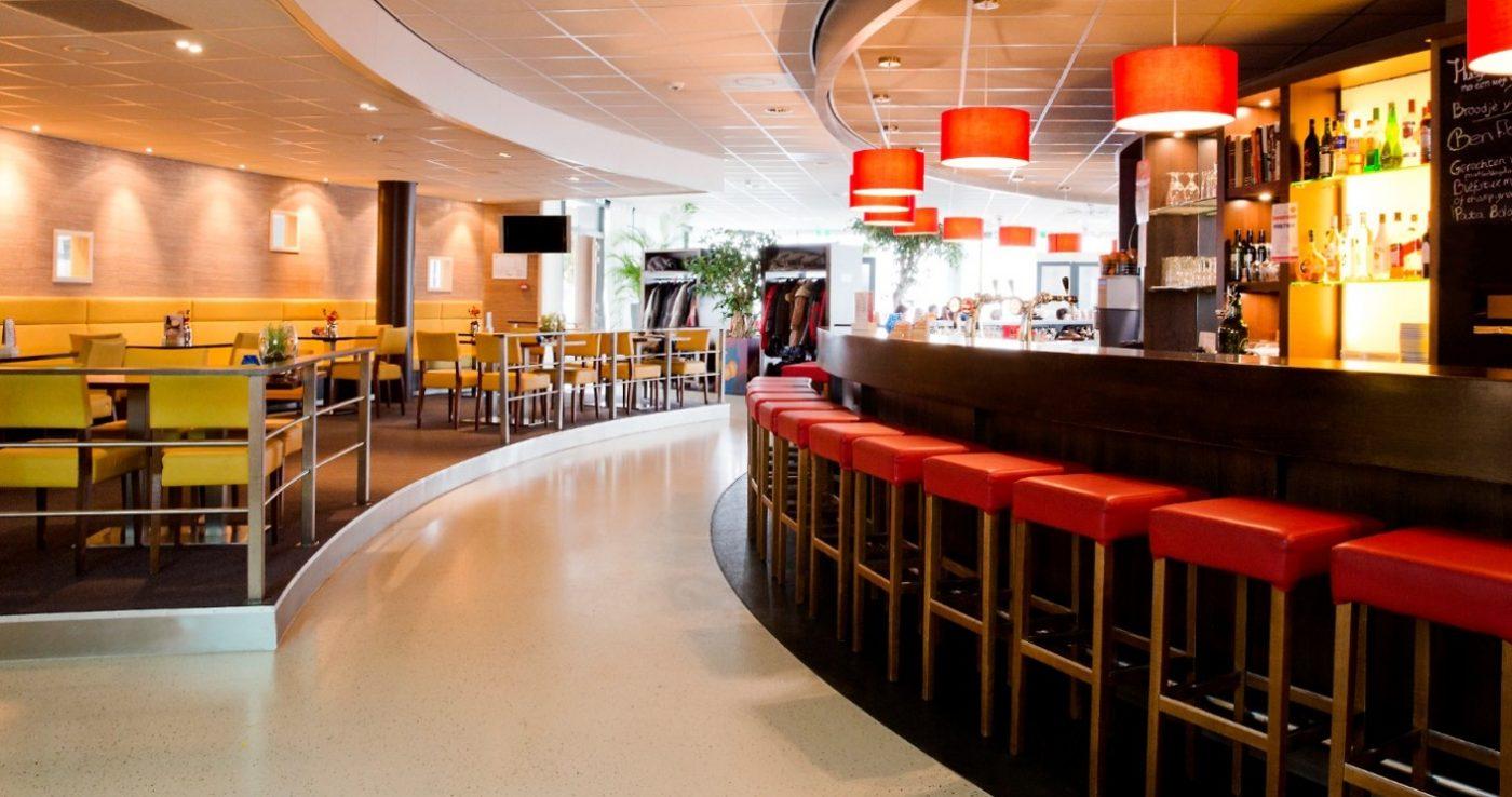 Viergang restaurant Feesten partijen bedrijfsfeesten Grand café